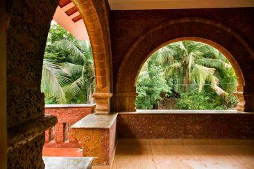 14 intricate laterite arches